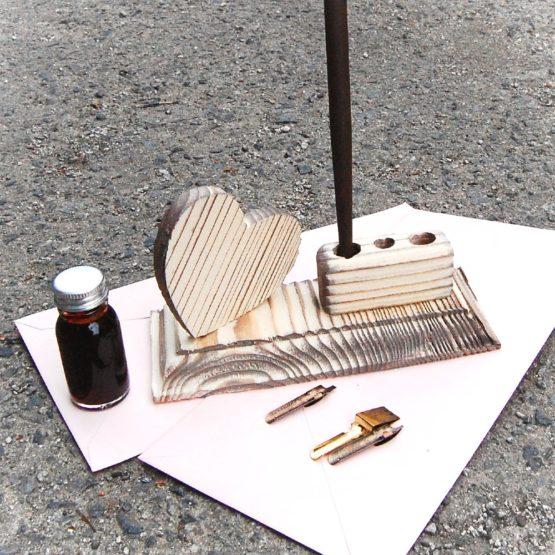 Luxusný rustikálny stojan na perá
